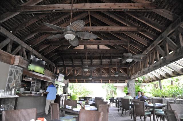 Beach Bar and Grill