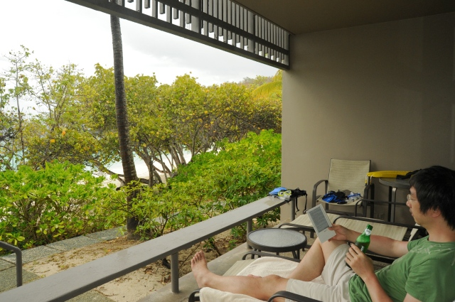 Drinking before snorkeling at the Turtle Beach is discouraged