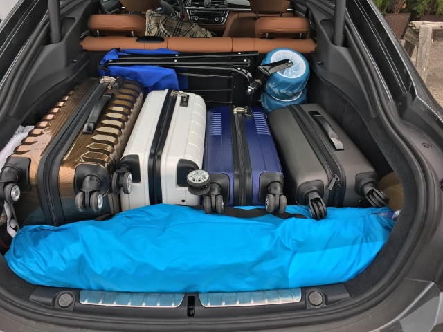 Ollieroo Folding Beach Wagon and Pacific Breeze Sand & Surf Beach Shelter fit in the trunk of a car