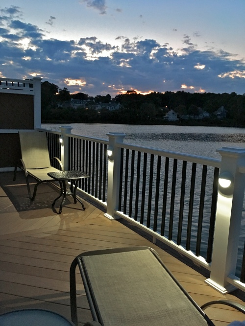 Tidal Suites at the Norseman Resort - Sunset at the deck at high tide