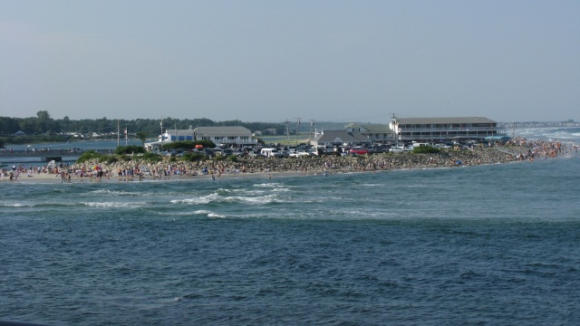 Ogunquit Beach at high tide in 2008 by user Captain-tucker from Wikimedia