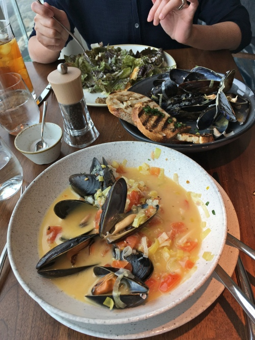 Huge mussels in great sauce