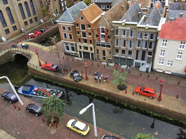 1:25 scale model of Anne Frank Museum on the Prinsengracht canal at Madurodam