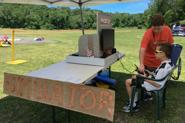 Free model aircraft simulation station is open