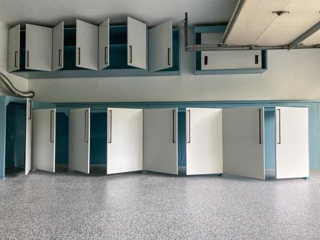 How cabinet doors open