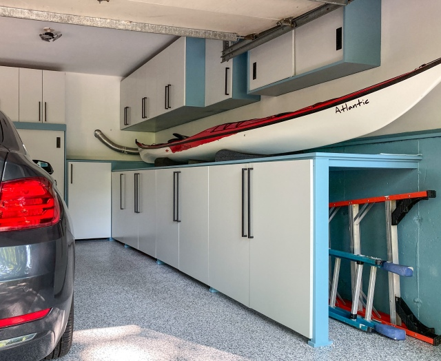 Storage space for ladders serving as tabletop for the kayak
