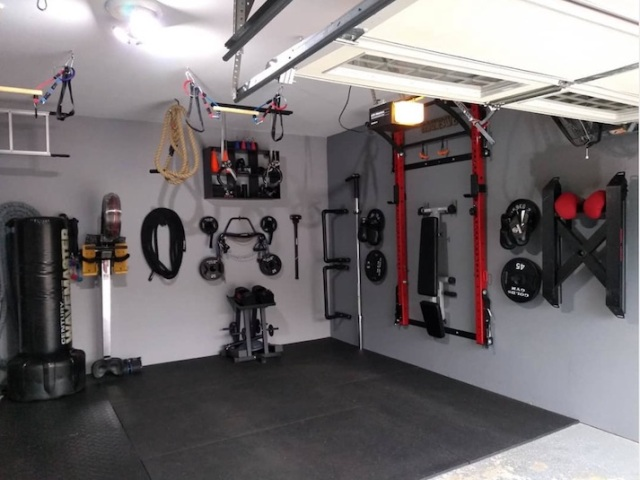 Turning a corner of the garage into a gym